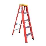 locação de escada de construção